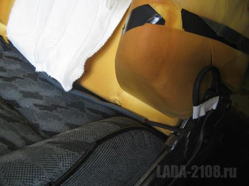 Вид на элемент обогрева и его кабель при снятой обшивке сиденья.