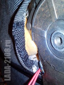 Вшитая в обшивку стропа, формирующая петлю кабеля